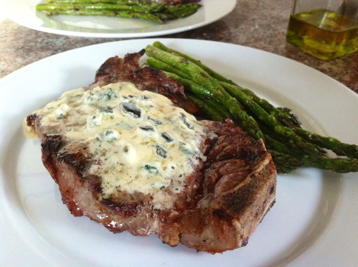 Bleu Cheese Steak and Grilled Asparagus